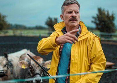 Joar Berge – Moustache Farmer – Kuhflüsterer